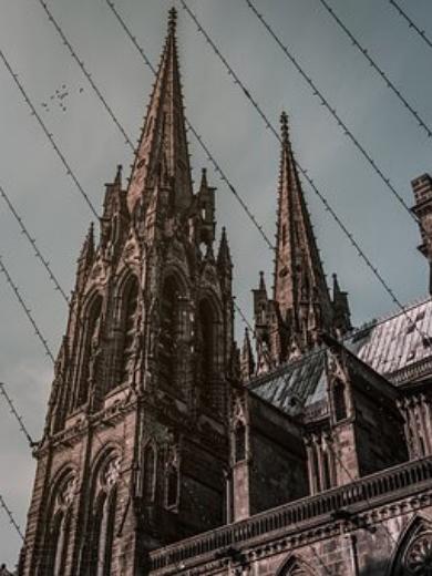 top clichés auvergne Clermont envrai touristes